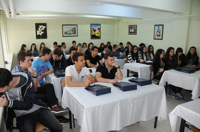 Şahin, Lise Öğrencilerine Trakyaka'yı Anlattı
