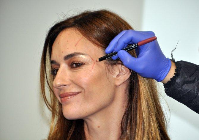 Yüz kadavra üzerinde uygulamalı estetik eğitimi