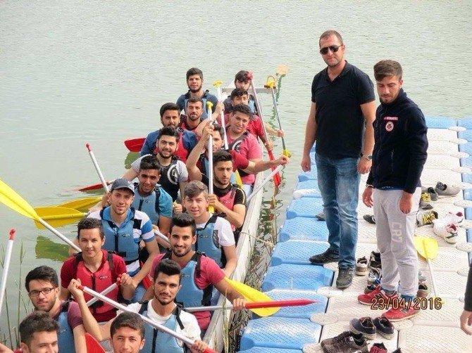 Üniversite Öğrencileri Macera Parkı'nda
