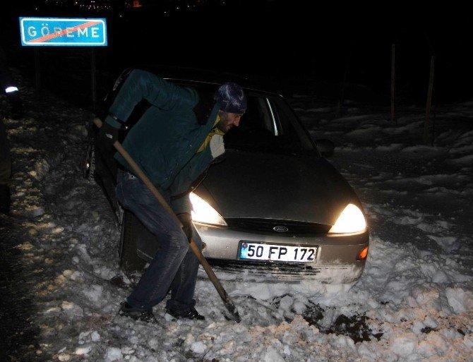 Nevşehir-Göreme yolu buzlanmadan dolayı kapandı