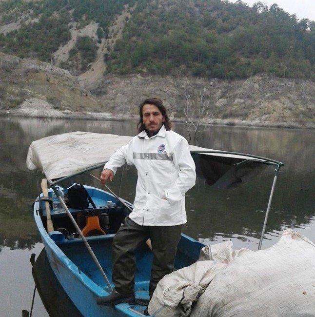 Balık tutmak isteyen 2 kişi baraj gölünde kayboldu