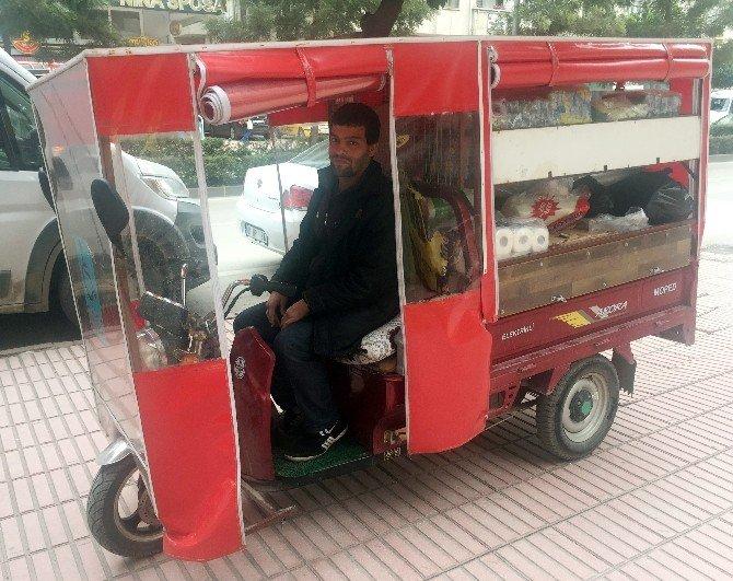 ehliyetsiz elektrikli bisiklet kullanan