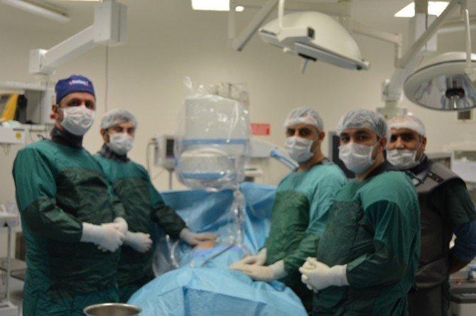 Iğdır'da kapalı böbrek taşı ameliyatı