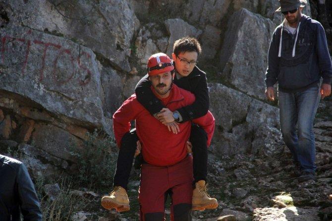 Fethiye'de paraşütçüler kayalıklara düştü: 2 yaralı