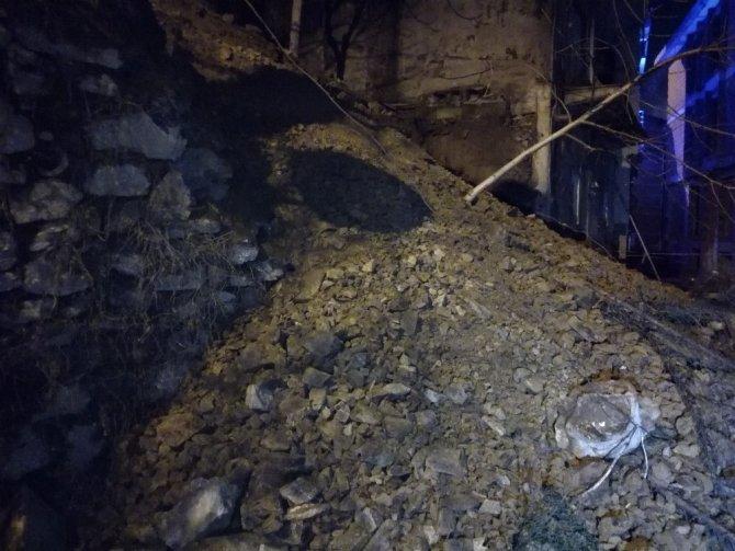 Şişli'de İstinat Duvarı Çöktü