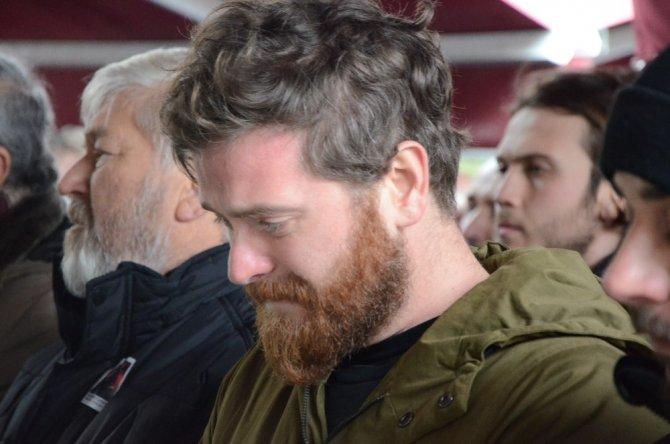 Ünlü oyuncu Engin Öztürk'ün ablası Berrin Öztürk son yolculuğuna uğurlandı