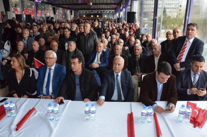 """Deniz Baykal: """"Ben de Sayın Kılıçdaroğlu da 'hayır' çıkarsa Cumhurbaşkanı'na 'istifa et' demeyeceğiz"""""""
