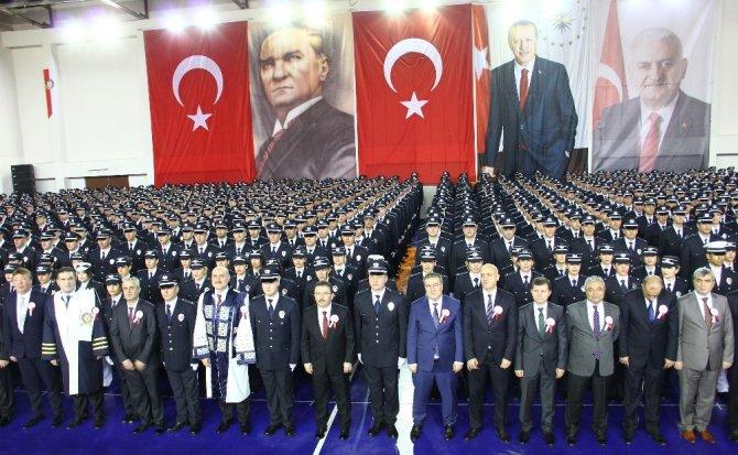 Eğitimlerini tamamlayan 976 polis, komiser yardımcısı rütbesiyle mezun oldu