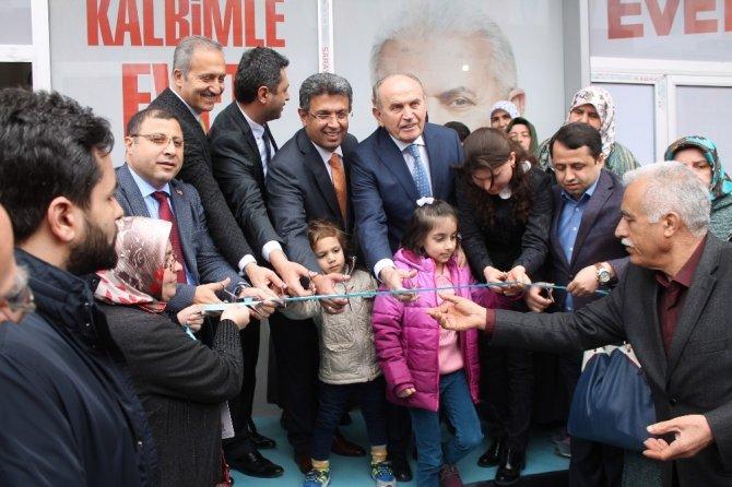 İBB Başkanı Kadir Topbaş, Küçükçekmecelilerle bir araya geldi