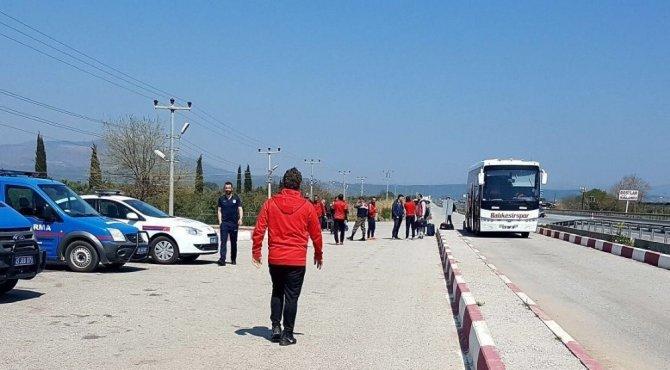 Teknik Direktör, maça giden eski takımının otobüsünü haciz ettirdi