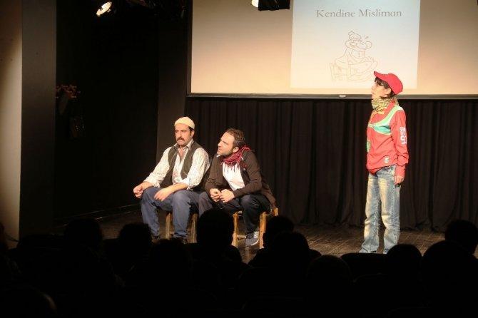 """Bağlar Belediyesi kadınları """"Qırıx"""" adlı tiyatro oyununa götürdü"""