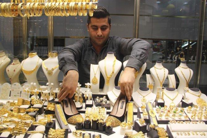 Batmanlılar altın ayakkabıya yoğun ilgi gösteriyor