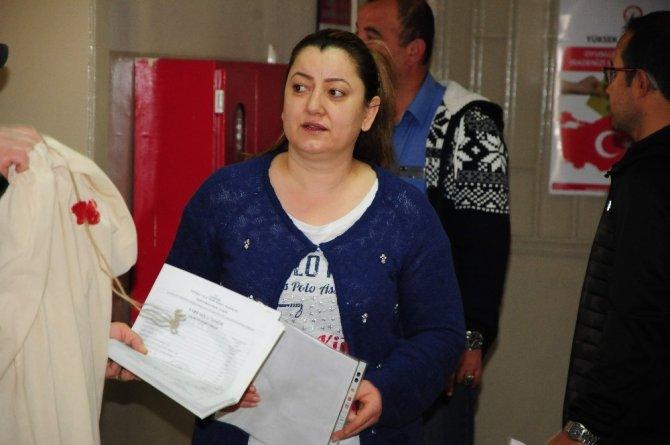Eskişehir'de oy torbaları sandık başkanlarına teslim edilmeye başlandı