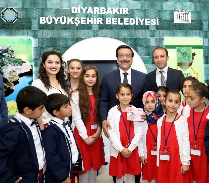 Diyarbakırlı öğrenciler 23 Nisan coşkusunu Ankara'da yaşayacak