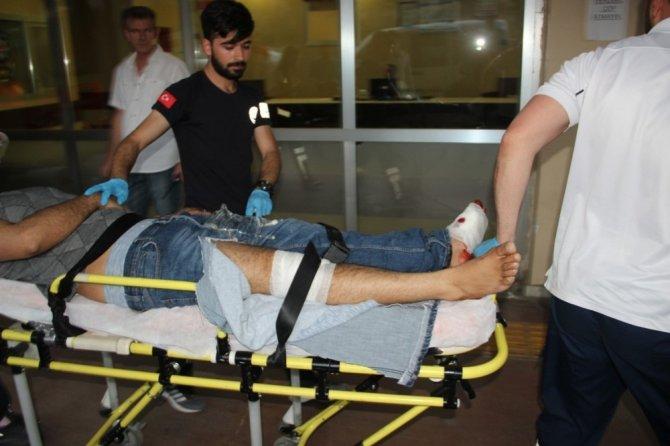 Kavgayı ayırmaya çalışırken bacağından vuruldu