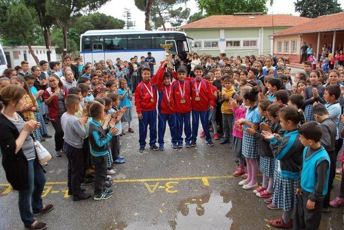 Türkiye şampiyonlarına coşkulu karşılama