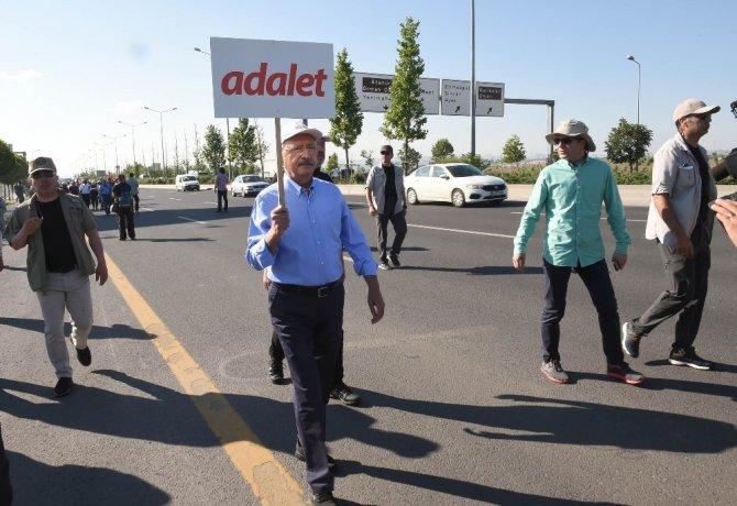 Kılıçdaroğlu'nun, 'Adalet Yürüyüşü' 2'inci gününde başladı