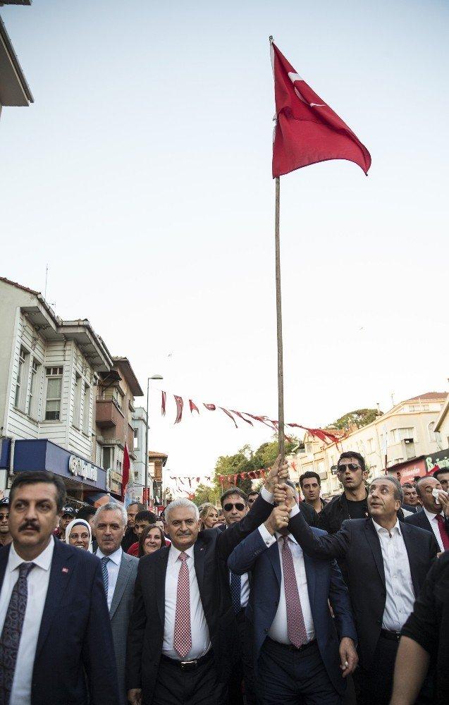 """Başbakan Yıldırım: """"Milletimizin darbecilere darbeyi vurmuştur"""""""