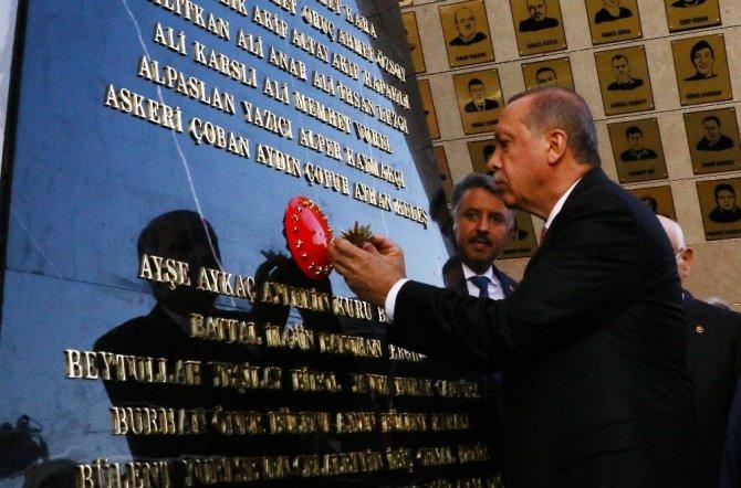 Cumhurbaşkanı Erdoğan, Beştepe'deki Şehitler Abidesi'ni açtı
