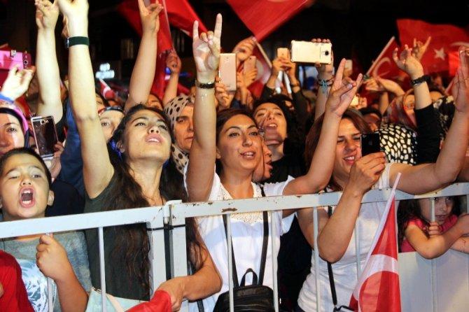 Mustafa Yıldızdoğan'dan Nevşehir'de konser