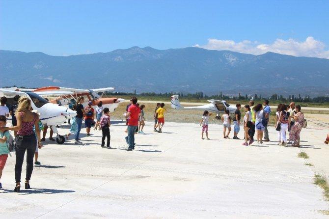 Minik öğrenciler havacılıkla tanıştı