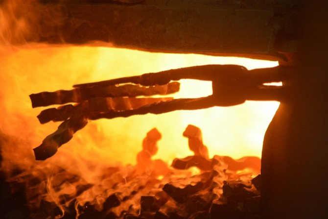 Demiri bile eriten sıcaklar onlara vız geliyor