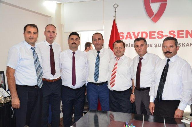 SAVDES-SEN Balıkesir'de Erdoğan Kosaoğlu başkan seçildi