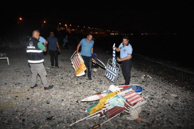 Zabıtadan sahillere gece operasyonu