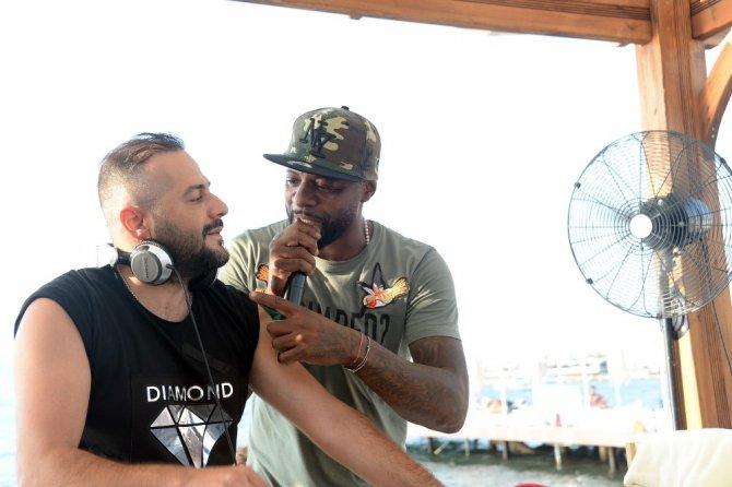 Pascal Nouma albüm çıkarmak için kolları sıvadı