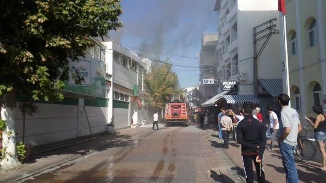 Akçay'da baca yangını kordonu duman altında bıraktı
