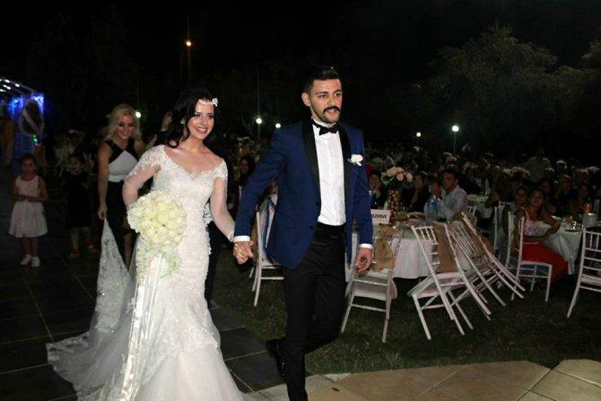 AK Partililer mega düğünde buluştu