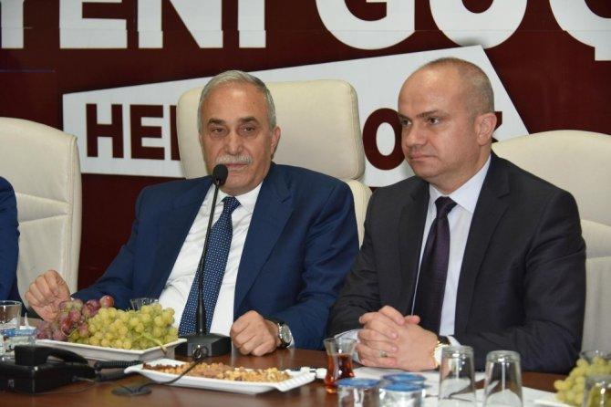 Bakan Fakıbaba Partisinin Manisa İl Yönetim toplantısına katıldı