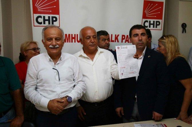 AK Parti'den istifa eden meclis üyesi CHP'ye geçti