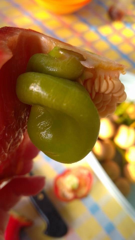 Kırmızı biberin içinden yeşil biber çıktı