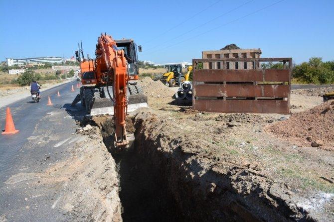 MCBÜ'de yağmur suyu hattı çalışmaları başladı