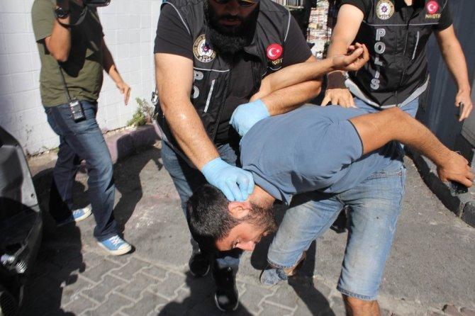 """İstanbul'da """"helikopter destekli"""" narkotik uygulaması"""