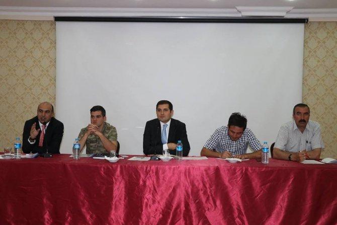 Tutak'ta muhtarlarla aylık toplantısı yapıldı