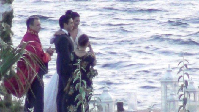 Coca Cola'nın CEO'su Muhtar Kent kızını evlendirdi