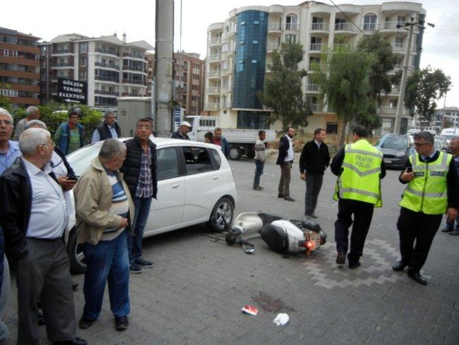 Edremit'te bayan sürücüyle çarpışan otomobil kaçtı