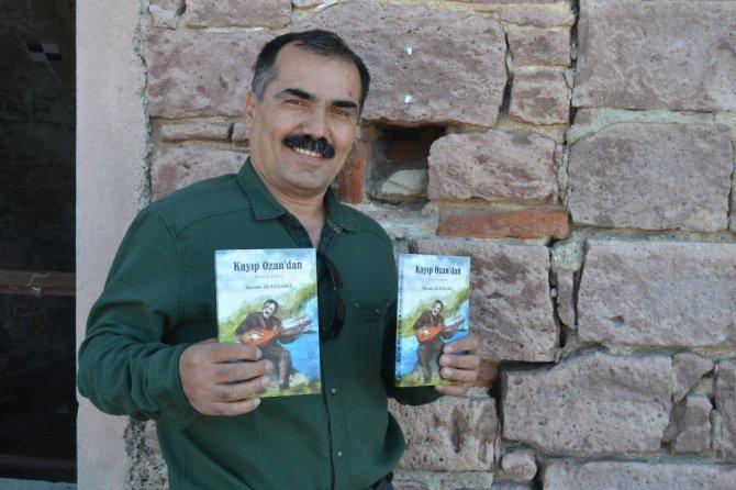 Kayıp Ozan, şiirlerini kitaplaştırdı
