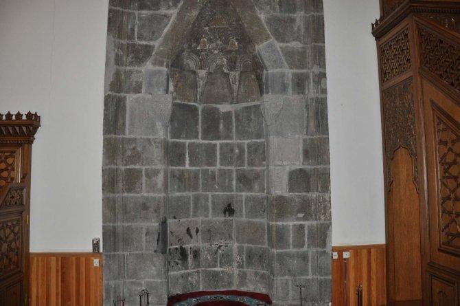 Ulu Cami'de Ermeniler 285 Türk'ü diri diri yakmış