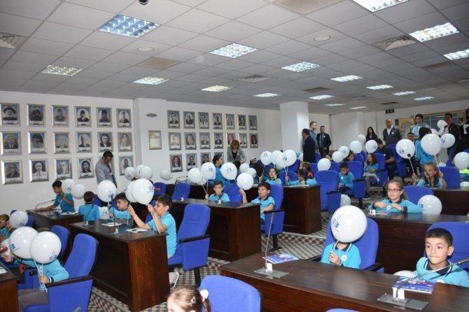 Edremit'te çocuk meclisi oluşturuldu
