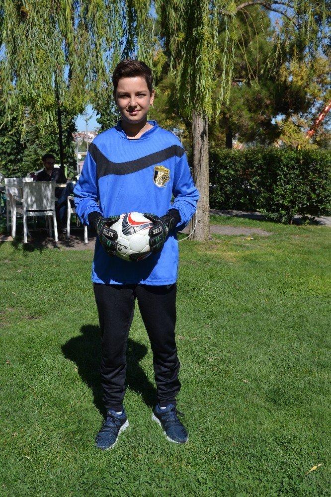 Talha, Menteşspor'dan Fenerbahçe'ye transfer oldu