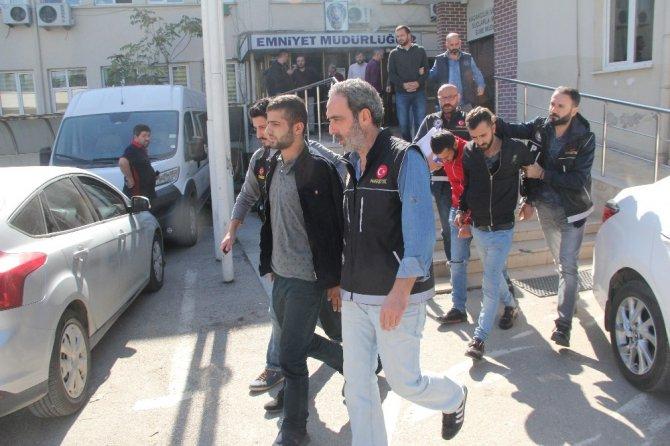 Bursa merkezli eş zamanlı uyuşturucu operasyonunda 10 kişi yakalandı