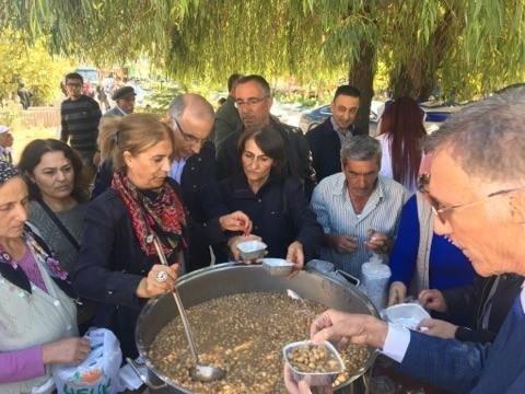 Tunceli'de aşure ikramı