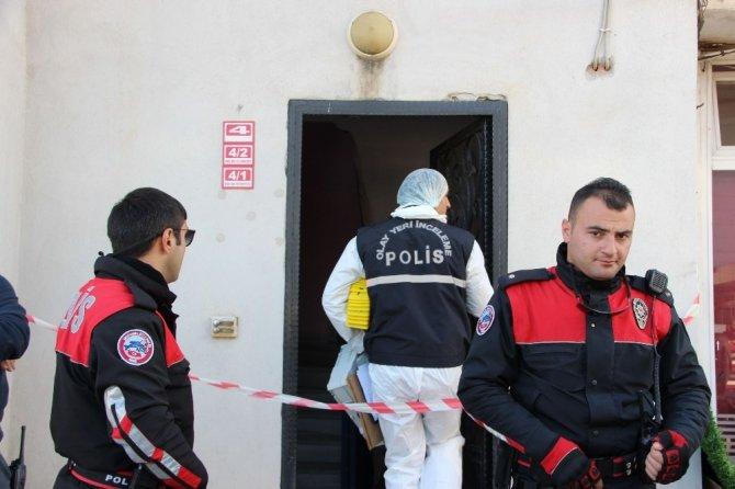 Iraklı koca, karısını öldürüp balkondan atladı