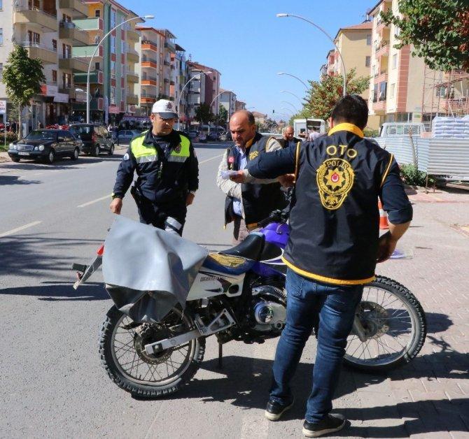 Polisten motosiklet denetimleri
