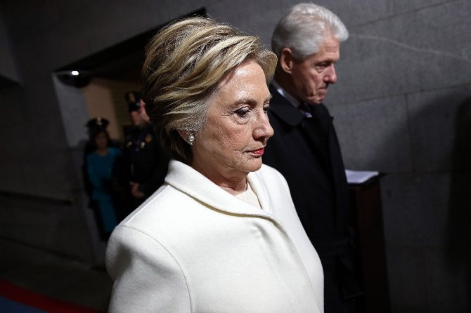 Hillary'nin kitabı, eşiyle arasını açtı
