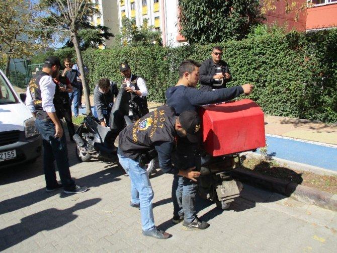 Mobil Okul Timleri okul çevrelerinde suçlulara göz açtırmıyor