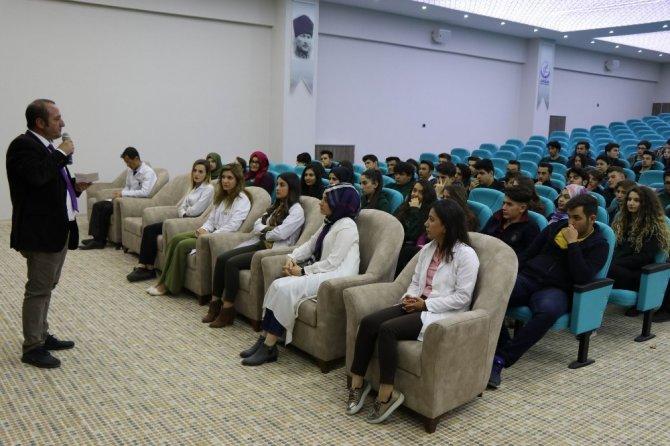 Kardelen Eğitim Kurumları'nda 12. Sınıf öğrencilerine yeni sınav sistemi anlatıldı